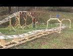 طالب أميركي ينشأ رولر كوستر في إحدى الحدائق