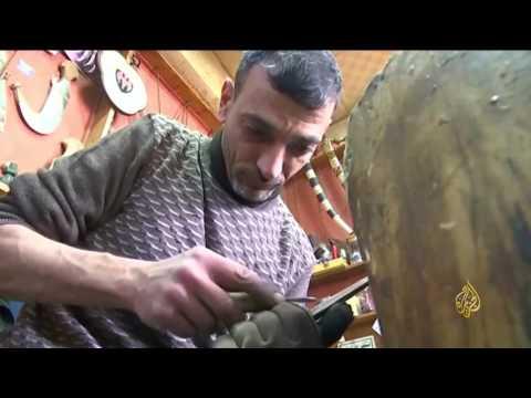 العرب اليوم - بالفيديو  صناعة الخناجر حرفة تقاوم الاندثار في الأردن