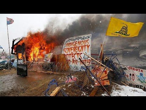 العرب اليوم - شاهد إخلاء مخيم داكوتا الشمالية