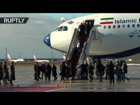 العرب اليوم - شاهد لحظة وصول الرئيس الإيراني حسن روحاني إلى موسكو
