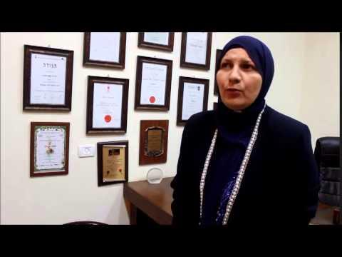 العرب اليوم - بالفيديو تعرف على أول قاضية مسلمة محجبة في محاكم إسرائيل