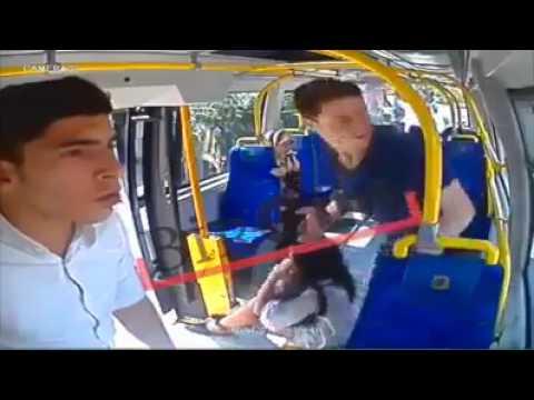 العرب اليوم - شاهد شاب يعتدي على فتاة في تركيا