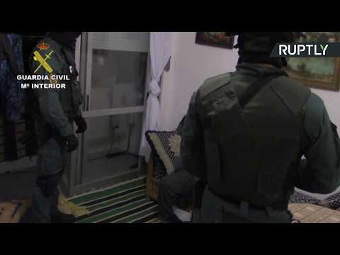 العرب اليوم - شاهد احتجاز مشتبه به آخر في تنفيذ هجوم برشلونة