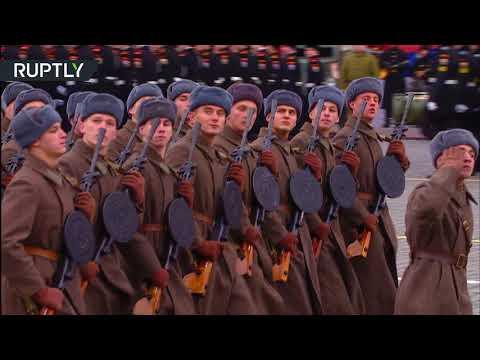 شاهد الساحة الحمراء تحيي ذكرى عرض 1941 العسكري التاريخي