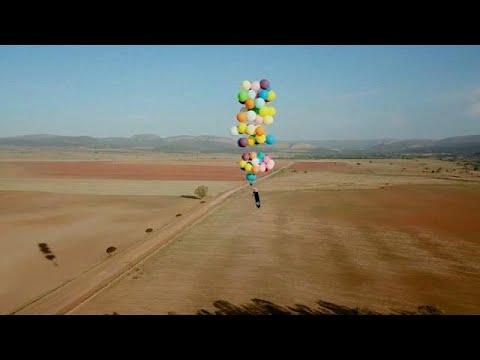 شاهد مغامرة مثيرة بالبلالين فى سماء جنوب أفريقيا