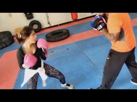 شاهد شيلاء سبت تتفوق على مدربها في الملاكمة والتمرين