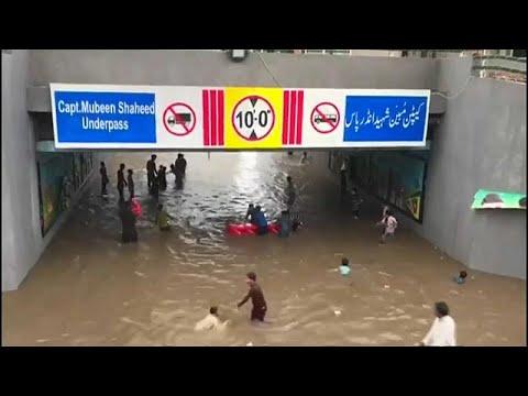 أمطار لم تشهد لاهور لها مثيلًا من 38 عامًا