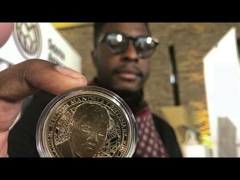 جنوب أفريقيا تصدر عملة ذهبية