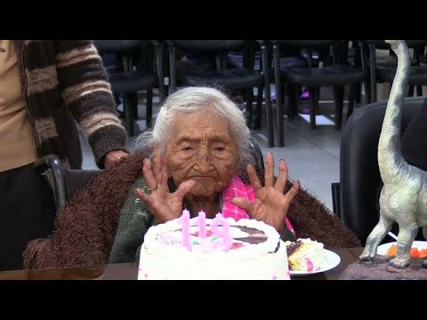 شاهد أقدم معمرة في العالم تحتفل بعيد ميلادها الـ118 في بوليفيا