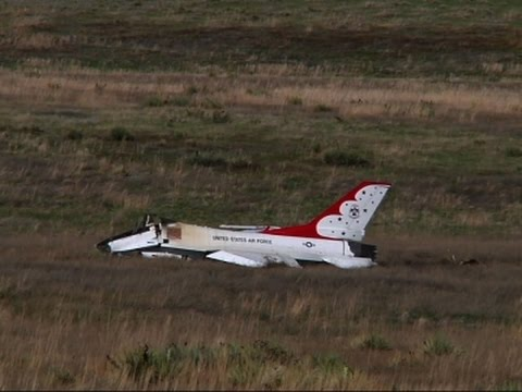 pilot ejects into field before thunderbird crash