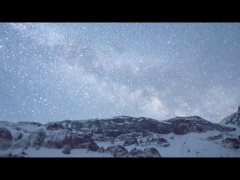 lyrid meteor shower creates dazzling