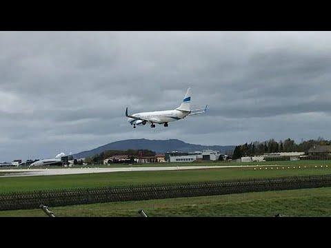 plane aborts bumpy landing