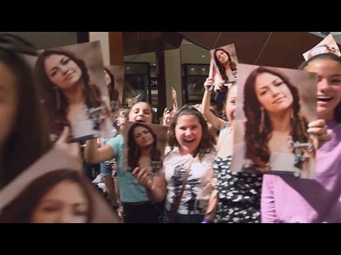 youtubes bethany mota redefines being a celebrity
