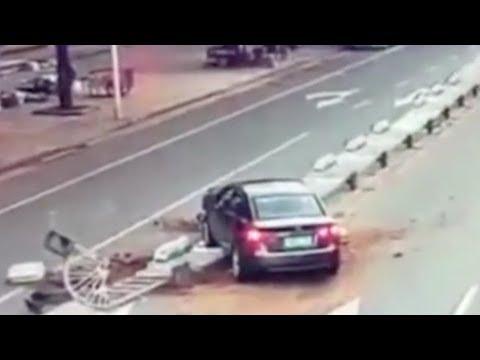Arab Today, arab today driver demolishes crash barrier