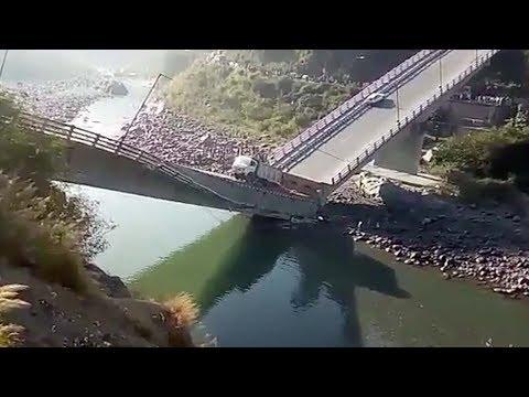 miraculous escape after bridge collapses