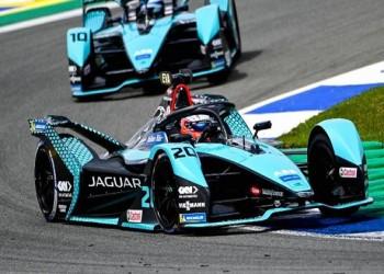 بيريز يفوز بسباق جائزة أذربيجان الكبرى للفورمولا 1