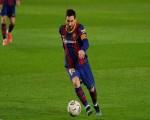 برشلونة يعلن في بيان رسمي أن ميسي سيغادر النادي بسبب عقبات اقتصادية وهيكلية في مفاوضات التجديد
