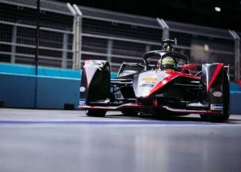 فيرستابن يتوج بسباق أميركا ويعزز صدارته لبطولة العالم فورمولا 1
