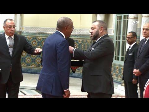 العرب اليوم - شاهد الملك محمد السادس يستقبل السفير الأميركي وايت بوش
