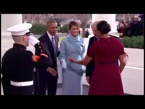 العرب اليوم - شاهد ميشيل أوباما تتلقى هدية من ميلانيا ترامب