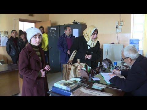 العرب اليوم - شاهد عودة التلاميذ إلى المدارس في شرق الموصل