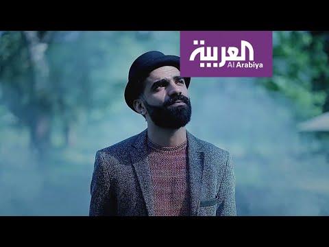 شاهد الفنان السعودي محمد رباط يغني الأكابيلا