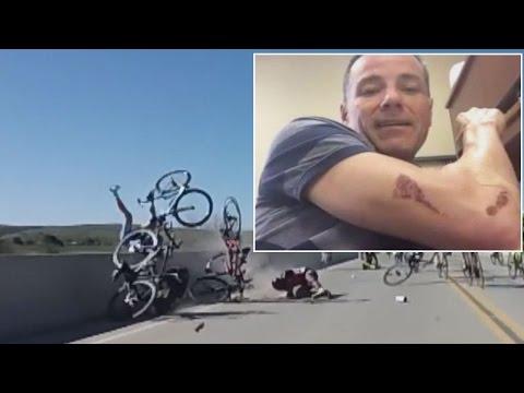 العرب اليوم - شاهد متسابق دراجات هوائية ينجو من كارثة بأعجوبة
