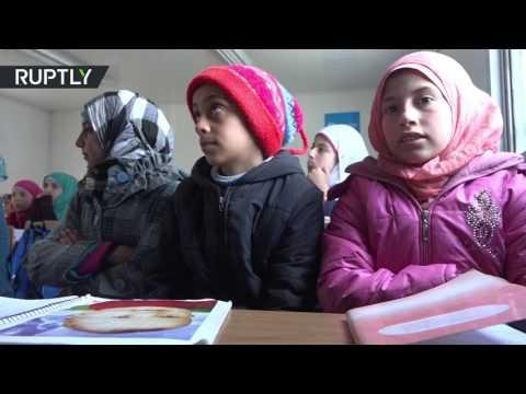 العرب اليوم - شاهد بداية التعليم في مدرسة بعد تحريرها وترميمها في حلب