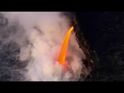 العرب اليوم - انهيار جرف بحري بسبب ثورة بركان في جزر هاواي