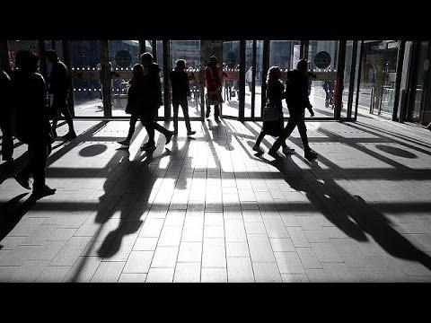 العرب اليوم - شاهد  تراجع مبيعات التجزئة في بريطانيا