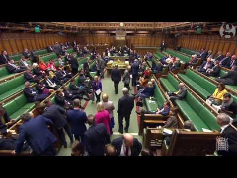 العرب اليوم - شاهد لحظة إغلاق البرلمان البريطاني عند وقوع الهجوم المتطرّف الأخير