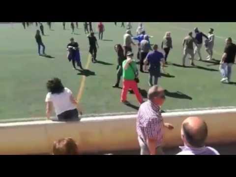 العرب اليوم - مشاجرة بين أهالي اللاعبين