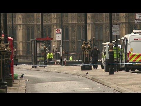 العرب اليوم - شاهد تشديد الإجراءات الأمنية في محيط البرلمان البريطاني