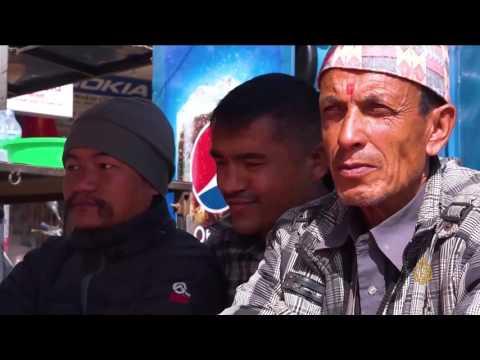 العرب اليوم - بالفيديو السارانجي تجوب العاصمة النيبالية