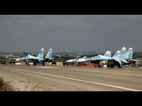 العرب اليوم - شاهد بشار الأسد ينقل كل مقاتلاته الحربية إلى قاعدة حميميم الروسية