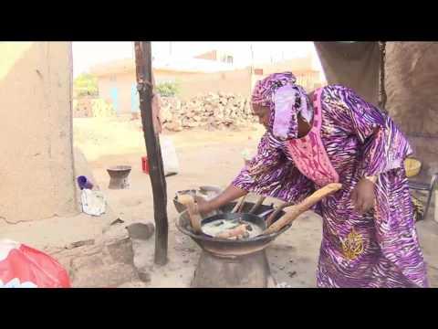 العرب اليوم - شاهد الفحم مصدر الطاقة الأبرز في باماكو