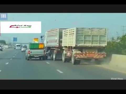 العرب اليوم - بالفيديو تخبط شاحنة على الطريق يتسبّب في حادث مروري مروّع