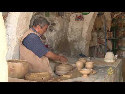 العرب اليوم - شاهد جولة في  مدينة قلالة داخل جزيرة جربة