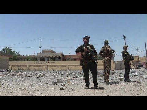 العرب اليوم - شاهد القوات العراقية تتوغل في غرب الموصل وتدعو المدنيين للخروج