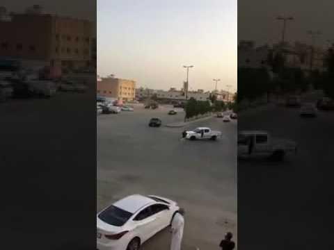العرب اليوم - شاهد العناية الإلهية تنقذ شابًا من الموت