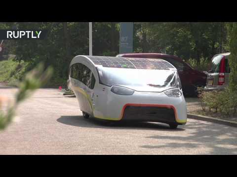 العرب اليوم - شاهد هولندا تعرض أول سيارة سياحية تعمل بالطاقة الشمسية