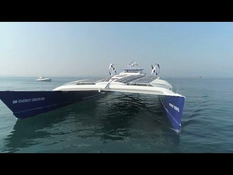 العرب اليوم - شاهد أول قارب صديق للبيئة يعمل بالطاقة الشمسية