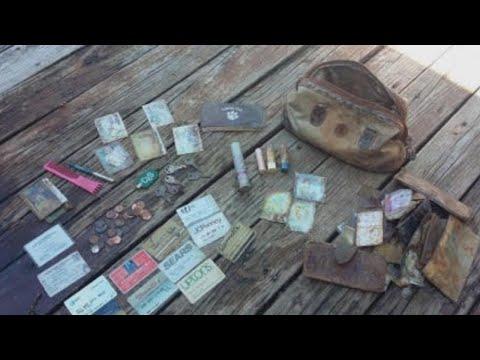 العرب اليوم - شاهد امرأة تعثر على محفظتها كاملة بعد فقدانها 25 عامًا