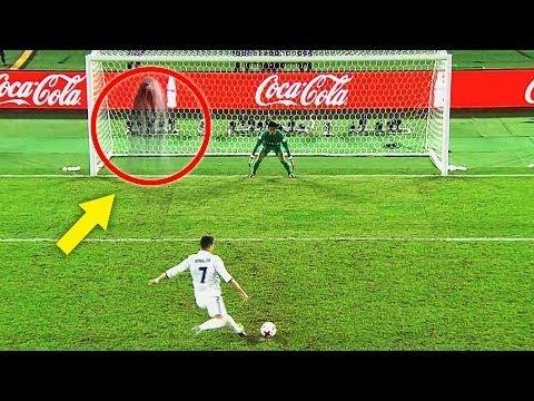 العرب اليوم - شاهد 10 أهداف أحرزها اللاعبين بشكل غريب
