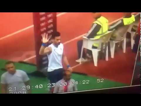 العرب اليوم - شاهد إشارة فاضحة من باسم مرسي لجمهور الأهلي