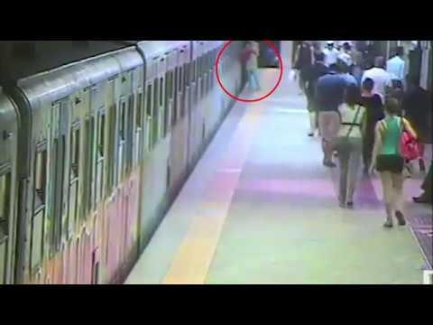 العرب اليوم - شاهد قطار يسحل امرأة في غفلة من سائقه