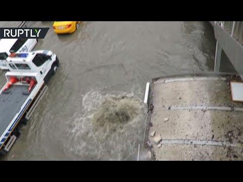 العرب اليوم - بالفيديو مشاهد صادمة لطوفان اسطنبول