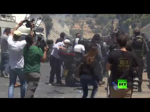 العرب اليوم - الشرطة الإسرائيلية تفرق المحتجين قرب باب الأسباط في القدس