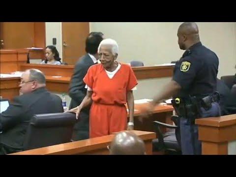 العرب اليوم - شاهد محاكمة سيدة تبلغ 86 عامًا بتهمة السرقة