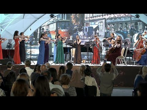 العرب اليوم - شاهد مهرجان جبلة الدولي للموسيقى بين العظمة والتقاليد